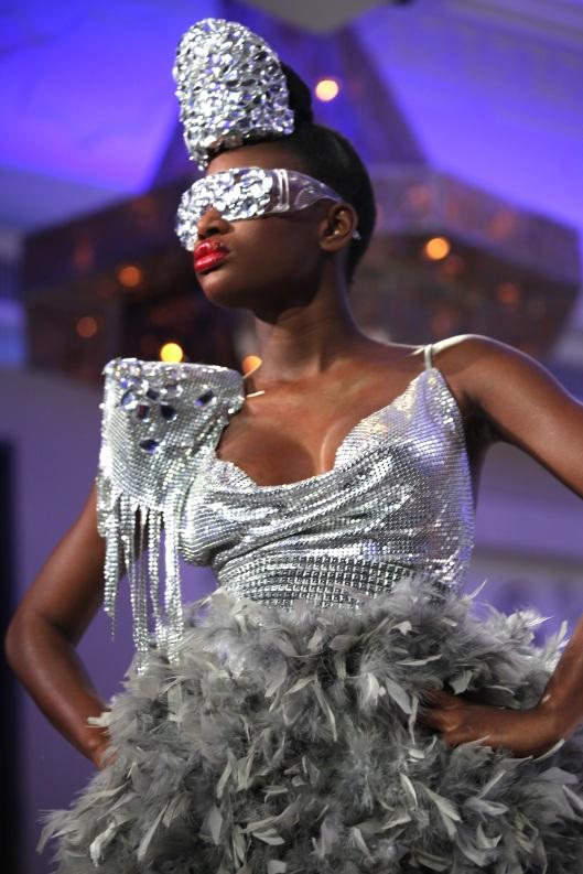 Haute Couture Backstage Fashionshow Models Dylus Friseur Frankfurt